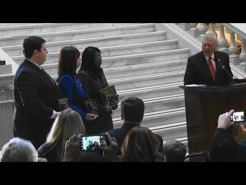 Governor Nathan Deal swears in judges Clint Bearden, Kathryn Powers, Shalonda Jones-Parker 01/04/18