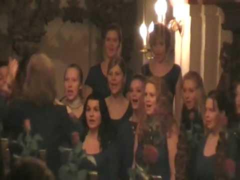 """""""Det Kimer Nu Til Julefest"""" with Aarhus Girls Choir"""