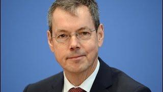 Prof. Dr. Peter Bofinger - Die Schwächen der makroökonomischen Lehrbücher
