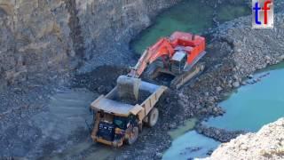 CAT 775G & Hitachi Zaxis 870 LCH Quarry Work / Steinbruch, Germany, 08.09.2016.
