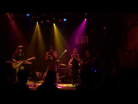 """TIMOTHY DARK """"SHE PUT A SPELL ON ME"""" Live at DROM"""