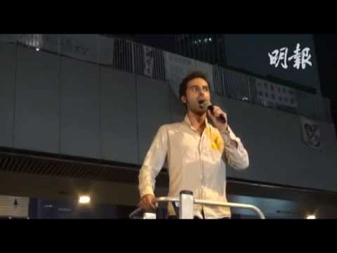 Stefano for Occupy Central in Hong Kong 意大利男高音夏慤道獻唱支持學生