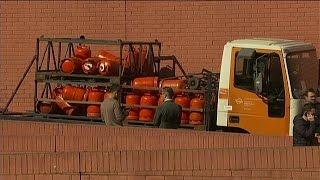 İspanya'da çalıntı tüp kamyonu paniğe yol açtı.