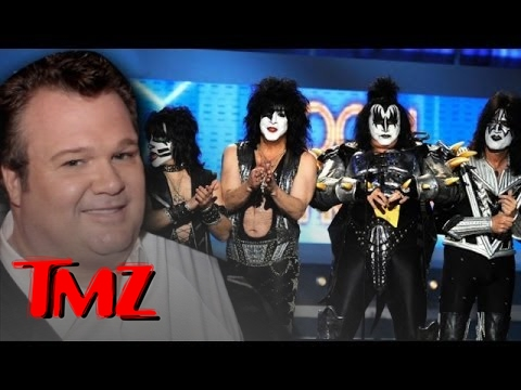 Eric Stonestreet to Kiss -- Apologize to my not so Modern Fa