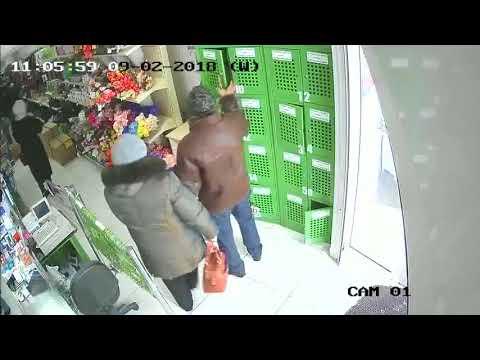 запись камеры наблюдения одного из канских магазинов