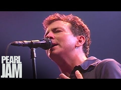 """""""Daughter / With My Own Two Hands """" - Pearl Jam ft. Ben Harper - Live at Madison Square Garden"""