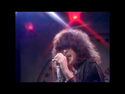 The Ramones - We Want The Airwaves Live on the Tomorrow Show