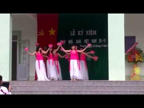 Bài múa Non Nước Hữu Tình - 12A1 Trường THPT Nam Yên