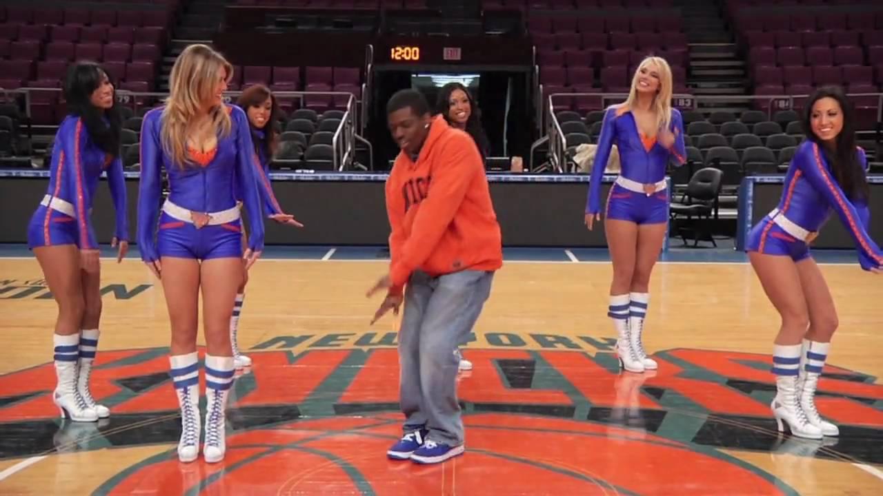 Knicks City Dancers show me How to Dance!