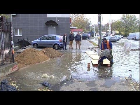 DumskayaTV: Улицу Львовскую заливает канализационными стоками