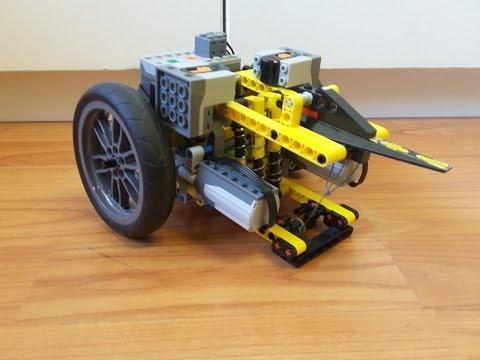 PKW's robot showcase - LEGO Technic and Model Team