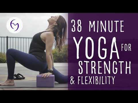 38 Min Vinyasa Yoga Flow For Strength and Flexibility with Fightmaster Yoga