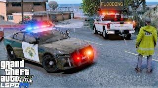 GTA 5 LSPDFR Police Mod #681 Rainy Patrol & Flooding With California Highway Patrol