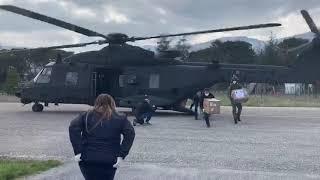 L'elicottero dell'Esercito alla sede della Protezione civile