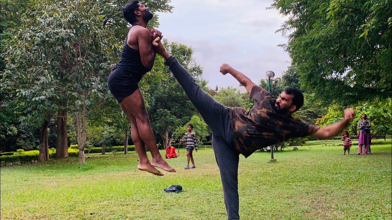 #streatfight #kalari #3 people fight #selfdefence #oldest #martial arts  #ayodhana martial arts