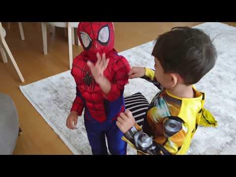 Fatih Selim Spiderman Oldu Yusuf'ta Bumblebee,kostüm Partisi Var Bu çocuklar Komik Videolar çekiyor