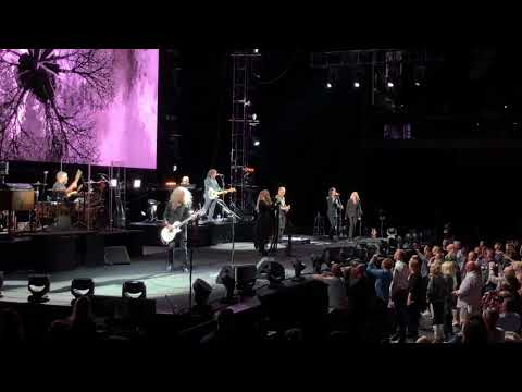 Stevie Nicks — Edge Of Seventeen (Live at Spark Arena, Auckland)