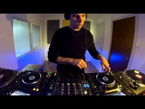 'Become A DJ' London DJ course - DJ Studio Hire