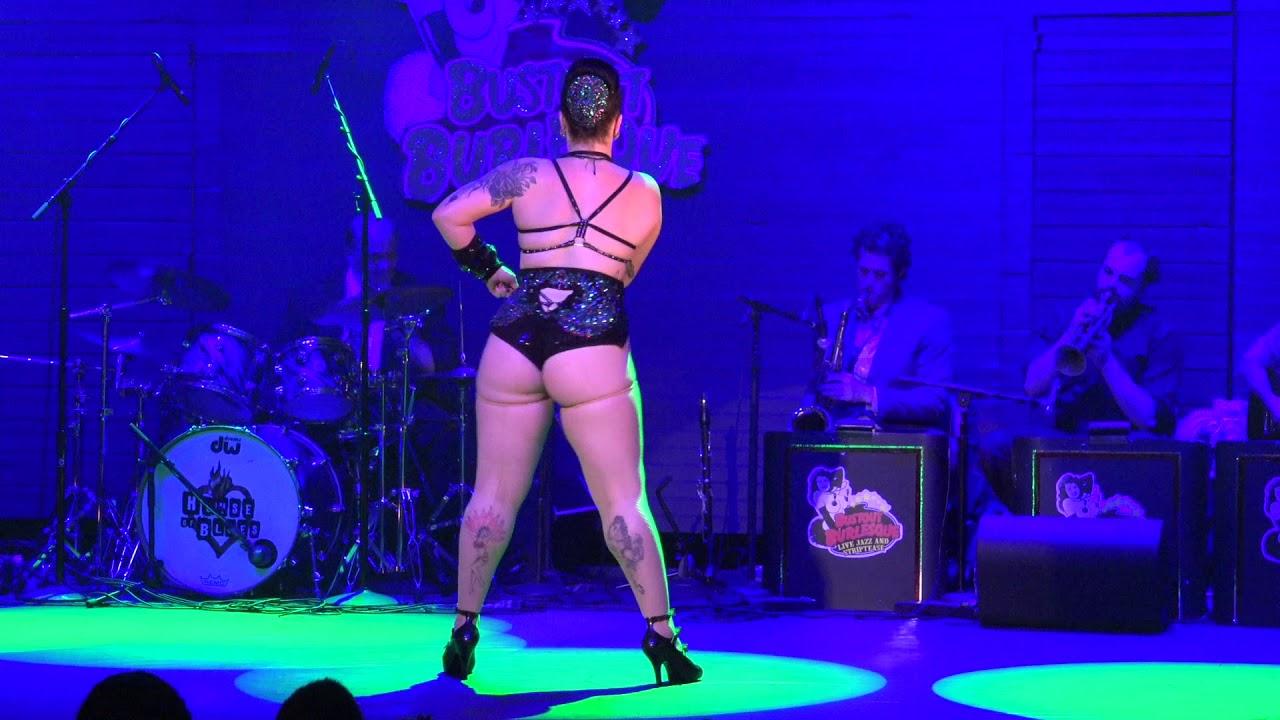 Bettie Bombshell - Bust Out Burlesque