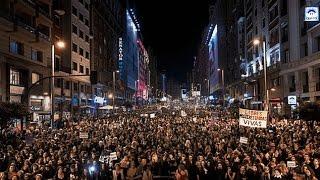 Մարտի 8 ին տարբեր երկրներում հազարավոր կանայք են դուրս եկել փողոցներ