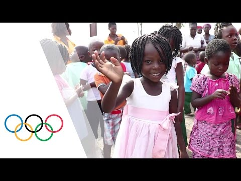 IOC President visits OlympAfrica centre in Mozambique