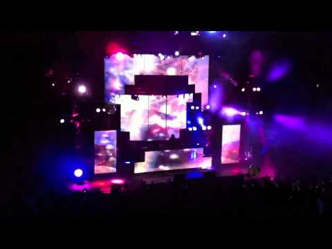 Bassnectar DESTROYS Red Rocks 2011 : Lights Bassnectar Remix