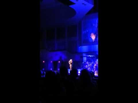 Martina McBride  - Anyway- LIVE PLANO TEXAS!