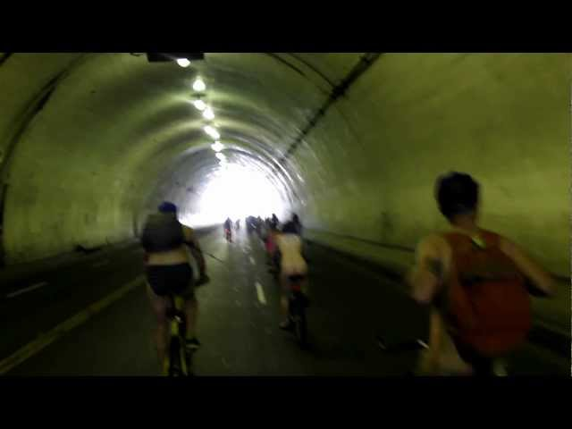 World Naked Bike Ride Los Angeles 2012, Ride through second street tunnel