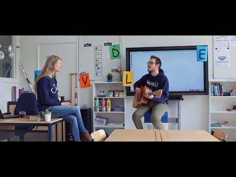 Juf & Meester - Dat De School Dicht Is (Remake van 'Als Het Avond Is' van Suzan & Freek)