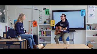 """Juf & Meester - Dat De School Dicht Is (Remake van """"Als Het Avond Is"""" van Suzan & Freek)"""