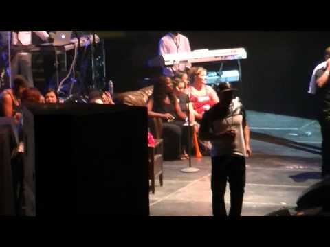 Keith Sweat performs Nobody