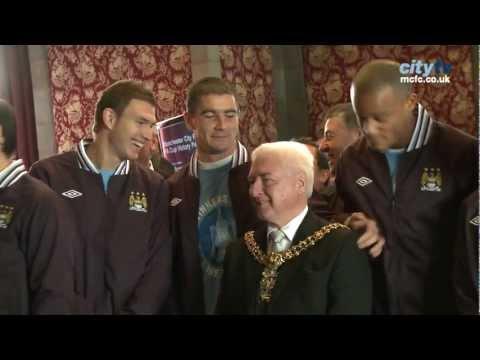 Kolarov pranks the Mayor | Bloopers