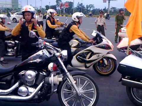 Mô Tô Khủng Hà Nội- Câu lạc bộ toàn siêu xe