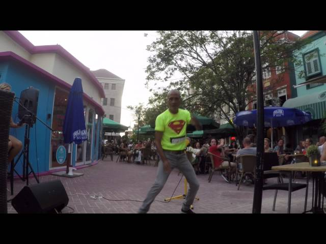 Curacao Dreams Tours - Punda Vipes dancer!