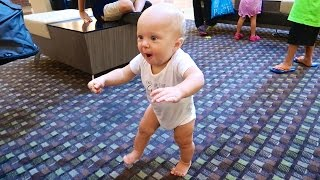 AMAZING WALKING BABY!