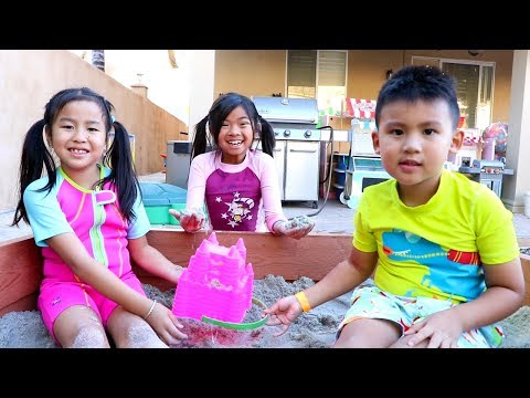 Emma & Jannie Pretend Play with Beach Toys and Sand Box