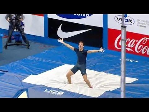Renaud Lavillenie bat le record du monde de saut à la perche à 6,16 mètres - 15/02