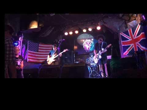Stream  90&39;s ICONS - เฉวียน  The Rockpub