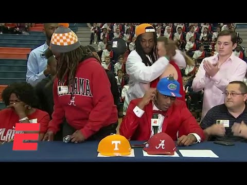 Mom walks out after son Jacob Copeland commits to Florida | ESPN