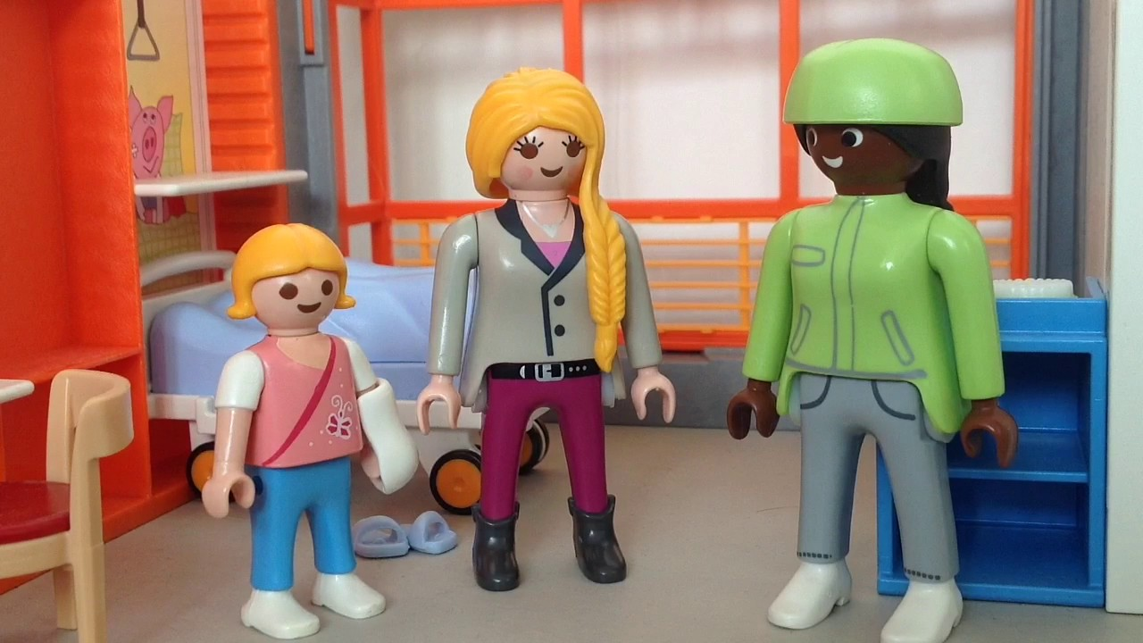 Film playmobil la piscine pisode 2 2 l 39 accident youtube for Playmobil la piscine