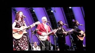 Steve Martin & Edie Brickell: Pretty Little One