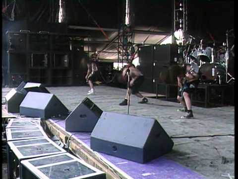 Pantera - This Love (Live In Italy 1992 - Vulgar Display Of Power 20th Anniversary DVD)