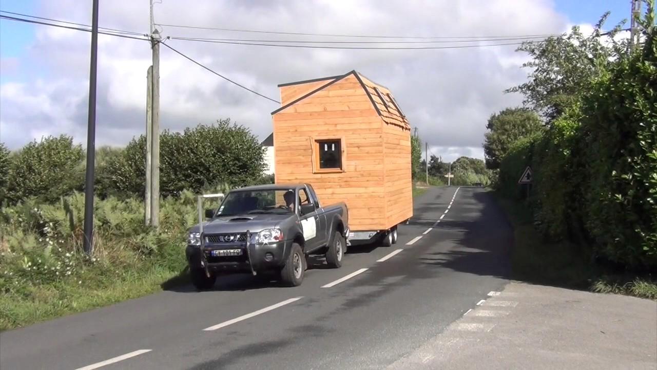 bois d 39 ici constructeur de votre petite maison en bois sur roues youtube. Black Bedroom Furniture Sets. Home Design Ideas