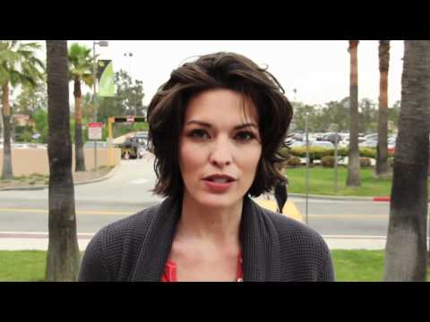 Alana de la Garza answers  questions  part 1
