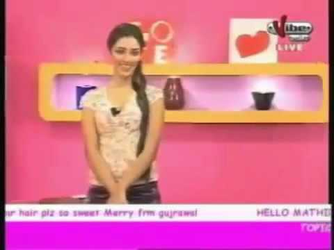 Download Mathira And Live Caller Abusing in Live Show