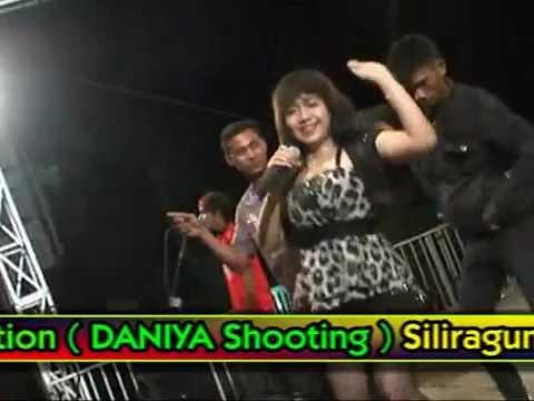 RENY FARIDA SRENGENGE PANTAI LAMPON By Daniya Shooting Siliragung