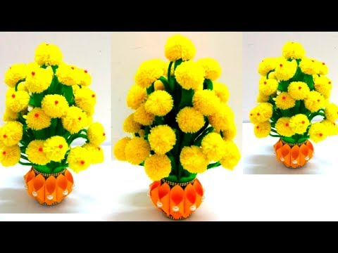 MAKE PLASTIC BOTTLE AND WOOLEN FLOWER POT//HOW TO MAKE YARN FLOWERS//VASE OF X-RAY PAPER/WOOL