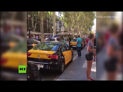 Caos en las calles tras el ataque terrorista en el centro de Barcelona