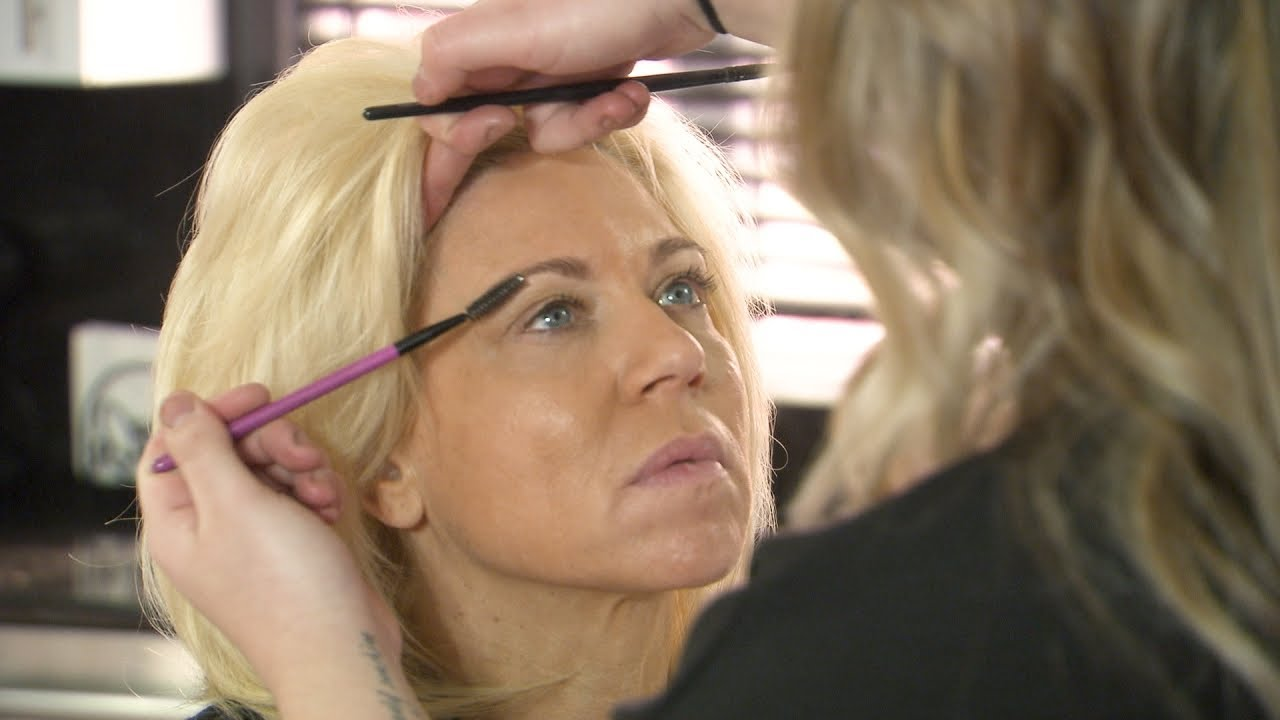 Watch Theresa Get A Glam Makeover From Her Daughter!