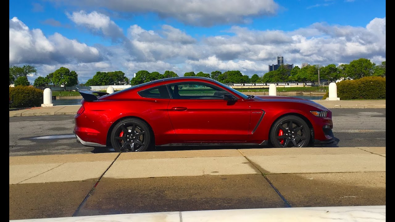 Gt350r Review >> THE NEW FORD SHELBY GT350R MUSTANG REVIEW! - YouTube